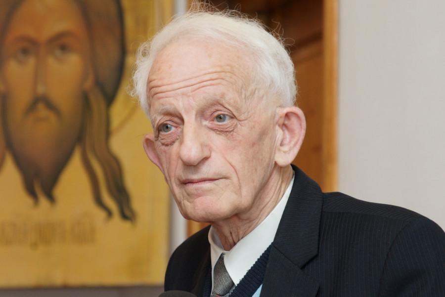 Simon Shnoll on 1 November 2015